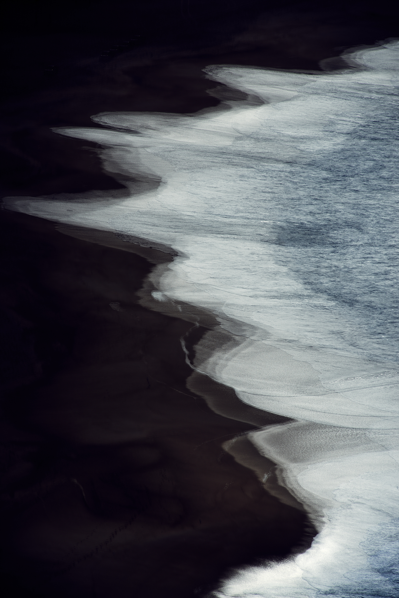 Shorelines on the main beach of Nazaré,